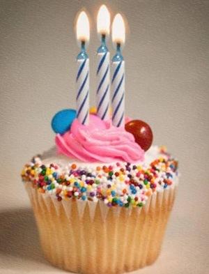 Yasni feiert seinen dritten Geburtstag